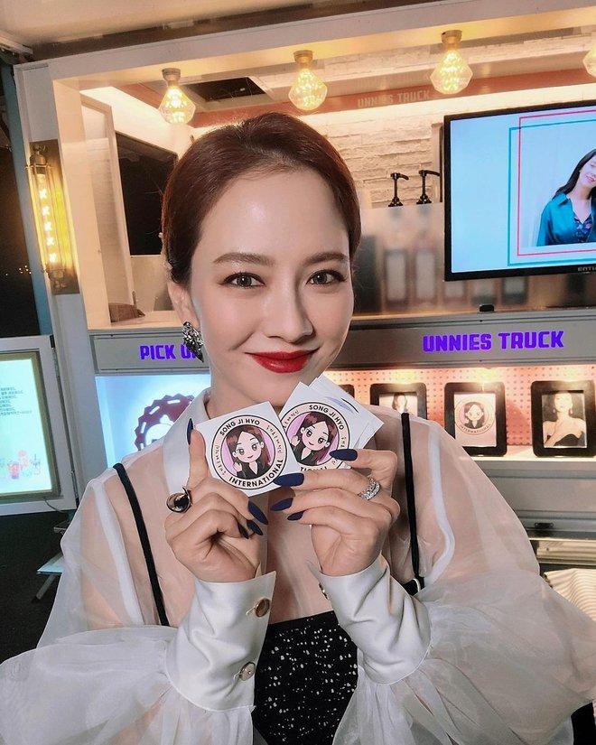 Không nhận ra Mợ Ngố Song Ji Hyo trong phim mới: Tạo hình sang nhưng khiến cô già hơn, phản ứng của netizen lại đáo ngược - ảnh 10