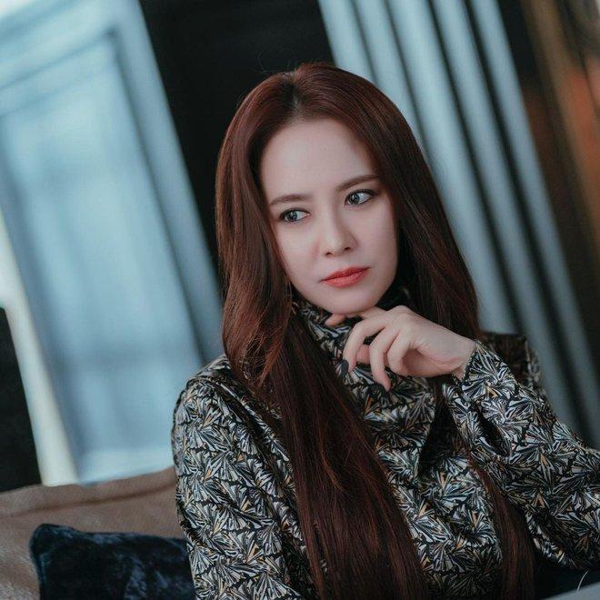 Không nhận ra Mợ Ngố Song Ji Hyo trong phim mới: Tạo hình sang nhưng khiến cô già hơn, phản ứng của netizen lại đáo ngược - ảnh 5