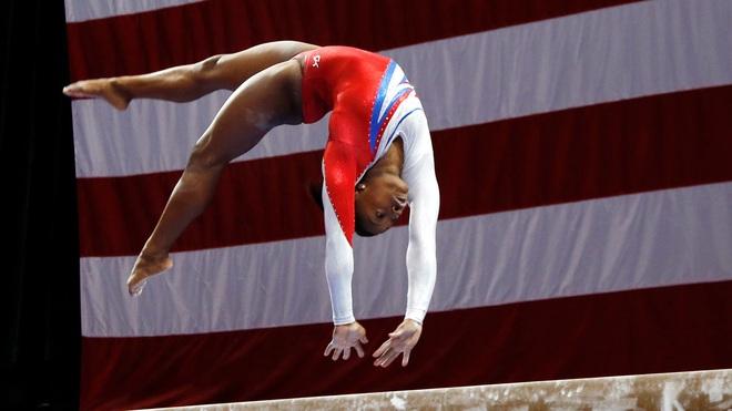 Biểu tượng thể thao Mỹ gây chấn động khi bỏ cuộc ở Olympic Tokyo 2020: Giọt nước mắt sau bao năm kìm nén từ quá khứ bị lạm dụng tình dục - ảnh 3
