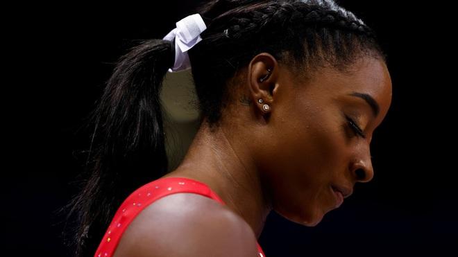 Biểu tượng thể thao Mỹ gây chấn động khi bỏ cuộc ở Olympic Tokyo 2020: Giọt nước mắt sau bao năm kìm nén từ quá khứ bị lạm dụng tình dục - ảnh 4