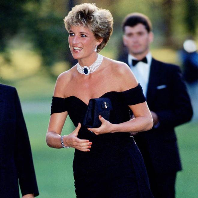 Mấy ai biết rằng đằng sau chiếc đầm này của công nương Diana là 1 câu chuyện đau lòng - ảnh 4