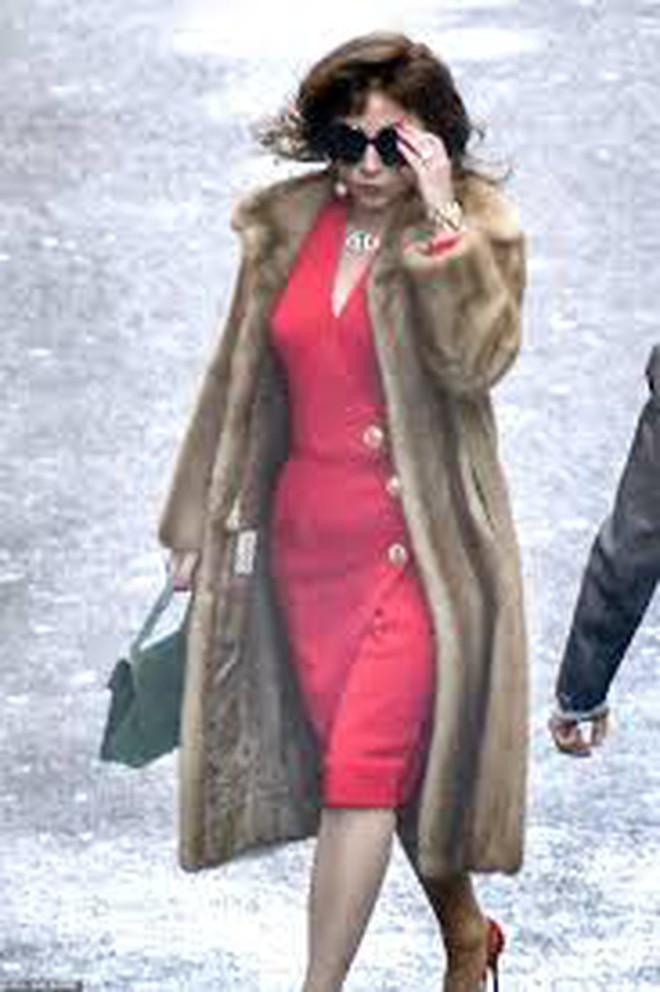 Lady Gaga tái xuất lộng lẫy, kiêu sa nhưng là kẻ giết chồng trong trailer phim về gia tộc Gucci - ảnh 9