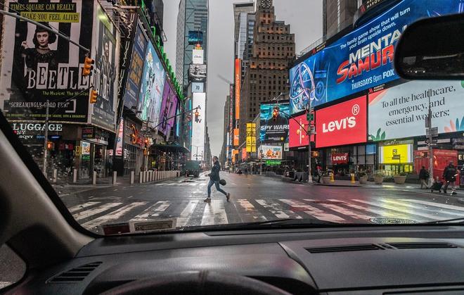 Delta khiến ca nhiễm Covid lan rộng, người New York đối diện với cơn ác mộng chết chóc của năm 2020 - ảnh 2