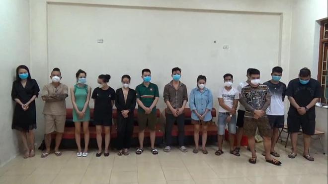 Thánh chửi Dương Minh Tuyền bị bắt tại Ninh Bình khi sử dụng ma tuý, bay lắc trong quán karaoke - ảnh 2