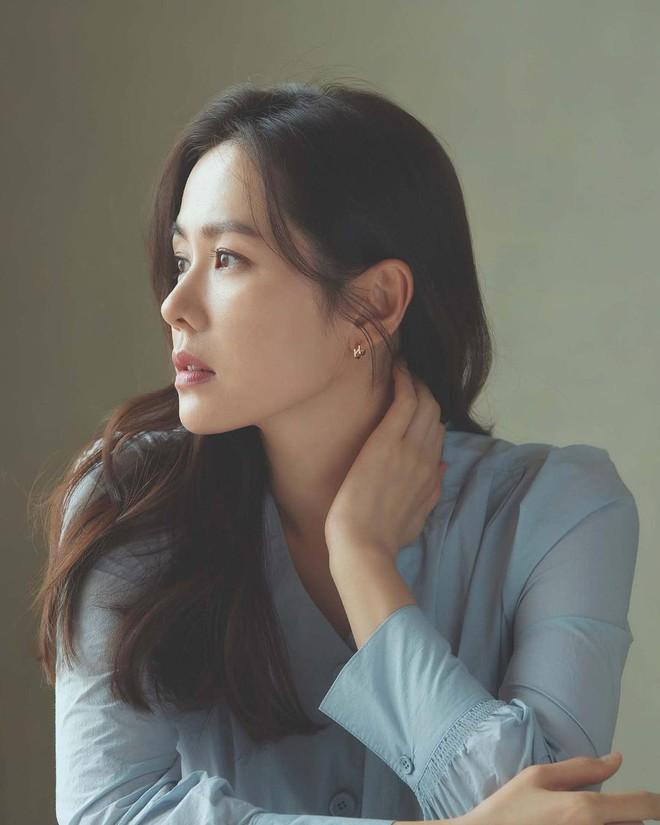 Vừa lộ ảnh hẹn hò, Hyun Bin - Son Ye Jin lại tung hình cùng ngày: Cực phẩm thế này bao giờ mới cưới để có bé con đẹp như mơ? - ảnh 3