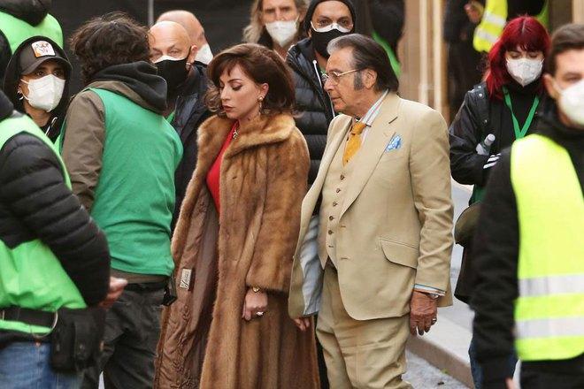 Lady Gaga tái xuất lộng lẫy, kiêu sa nhưng là kẻ giết chồng trong trailer phim về gia tộc Gucci - ảnh 7