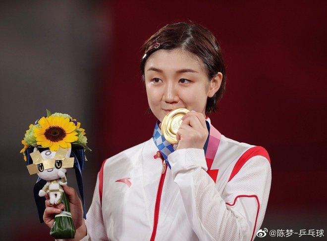 Huỳnh Hiểu Minh mừng rỡ khoe em họ giành huy chương vàng Olympic, động thái của Angela Baby lại làm Cnet lo lắng - ảnh 5