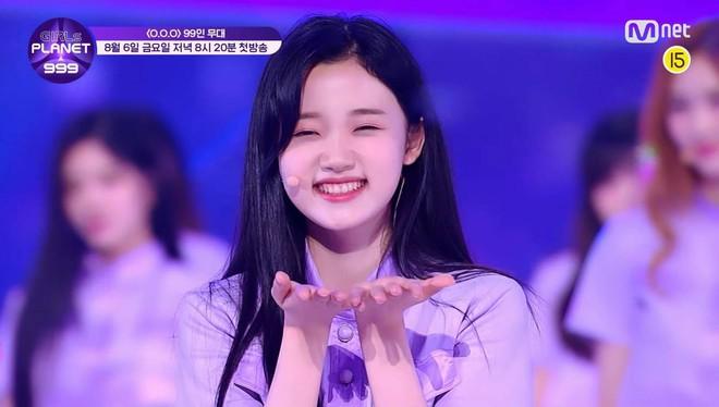 Mỹ nữ lai giữa 2 thành viên TWICE nổi bật hẳn giữa 99 cô gái trong show thực tế mới của Mnet - ảnh 8