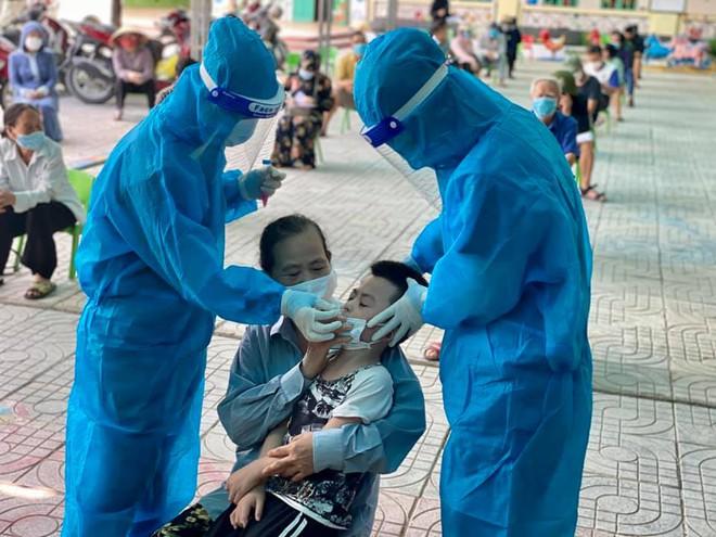 Người đàn ông từ miền Nam về sau 3 lần xét nghiệm mới dương tính SARS-CoV-2 - ảnh 1