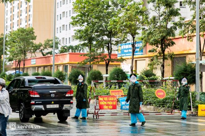 Chuyện cư dân chung cư ở Sài Gòn nấu hàng trăm suất ăn mỗi ngày tiếp sức các Bệnh viện dã chiến: Những người tham gia phải có xét nghiệm âm tính - ảnh 21