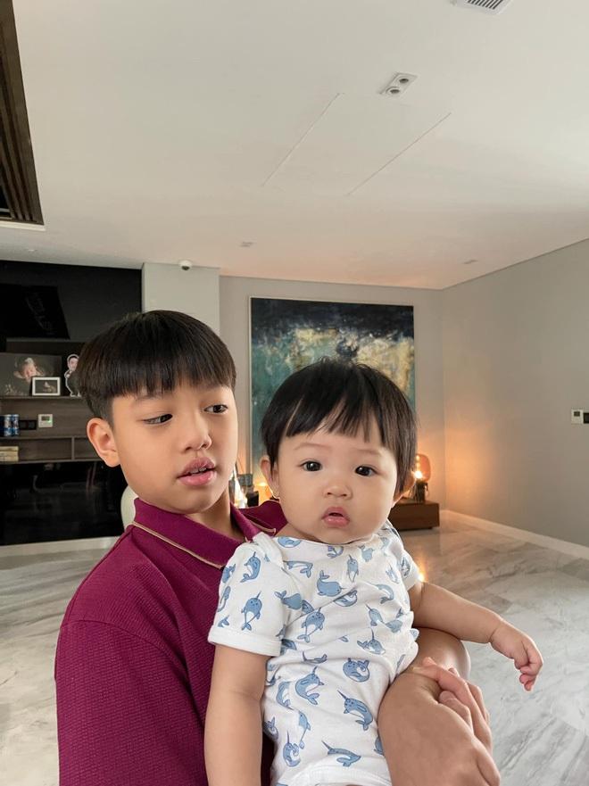 Rich kid Việt và những món quà khủng: Bộ đôi siêu xe ngót nghét 70 tỷ, đồng hồ sang với hàng hiệu nhiều không đếm nổi - ảnh 7