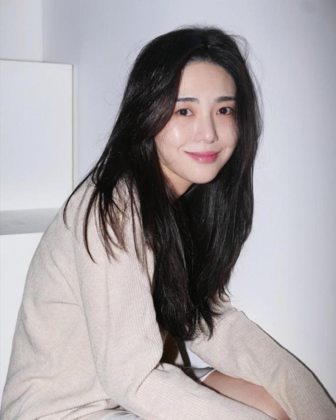 Bạn trai chính thức thừa nhận ngoại tình với Mina (AOA), sốc vì bị mẹ nữ idol gửi 20 ảnh phẫu thuật và vũng máu sau vụ tự tử - Ảnh 4.