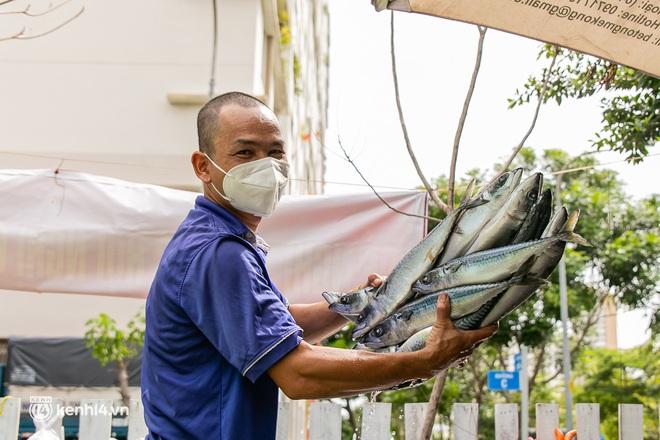 Chuyện cư dân chung cư ở Sài Gòn nấu hàng trăm suất ăn mỗi ngày tiếp sức các Bệnh viện dã chiến: Những người tham gia phải có xét nghiệm âm tính - ảnh 5