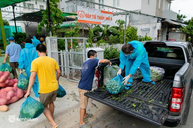 Chuyện cư dân chung cư ở Sài Gòn nấu hàng trăm suất ăn mỗi ngày tiếp sức các Bệnh viện dã chiến: Những người tham gia phải có xét nghiệm âm tính - ảnh 4