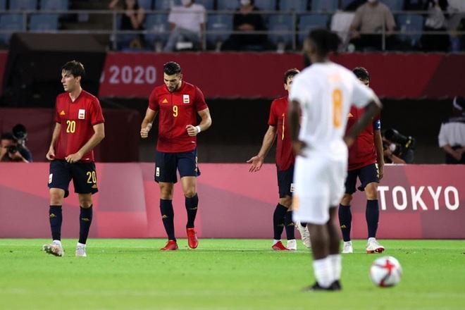 Hậu vệ Bờ Biển Ngà phá game, giúp Tây Ban Nha trở về từ cõi chết, ngược dòng giành vé vào bán kết Olympic - ảnh 12