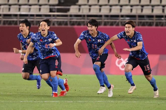 Olympic Nhật Bản giành vé vào bán kết bóng đá nam sau loạt đá luân lưu nghẹt thở - ảnh 4