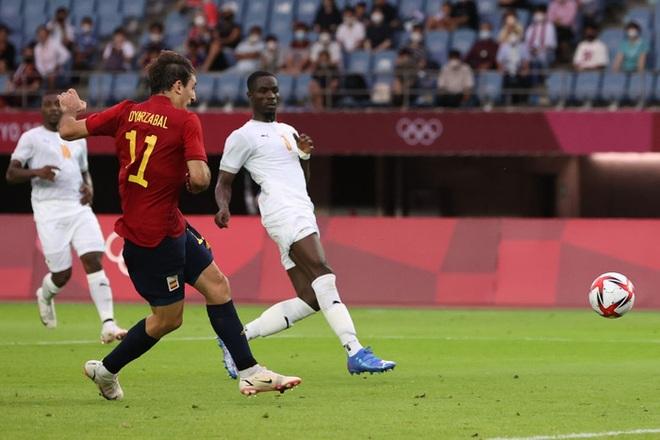 Hậu vệ Bờ Biển Ngà phá game, giúp Tây Ban Nha trở về từ cõi chết, ngược dòng giành vé vào bán kết Olympic - ảnh 5