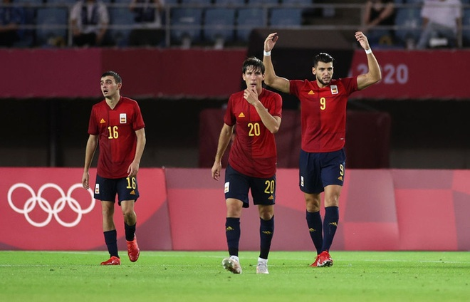Hậu vệ Bờ Biển Ngà phá game, giúp Tây Ban Nha trở về từ cõi chết, ngược dòng giành vé vào bán kết Olympic - ảnh 9