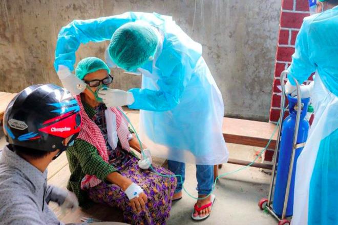 50% dân số Myanmar có thể mắc COVID trong 2 tuần tới - ảnh 1