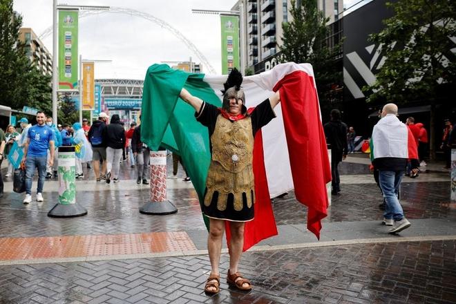 Italy vào chung kết Euro 2020 sau chiến thắng kịch tính trên chấm luân lưu - Ảnh 27.