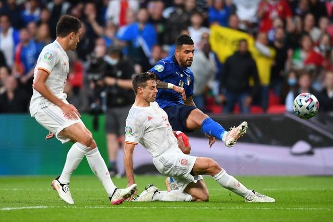 Italy vào chung kết Euro 2020 sau chiến thắng kịch tính trên chấm luân lưu - Ảnh 10.