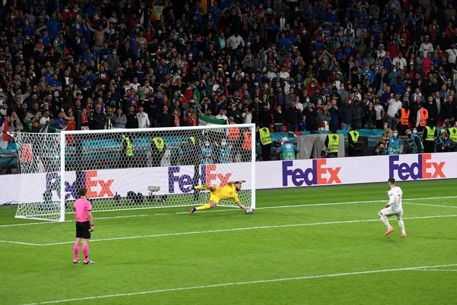 Italy vào chung kết Euro 2020 sau chiến thắng kịch tính trên chấm luân lưu - Ảnh 3.
