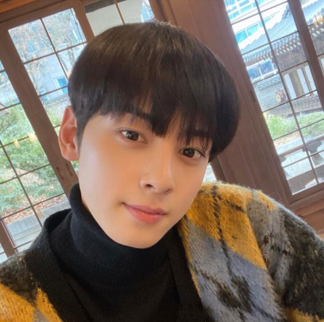 Song Kang (Nevertheless) bị soi chỉ trung thành duy nhất với một kiểu selfie, nhưng sao fan chỉ đòi xem bươm bướm? - ảnh 6