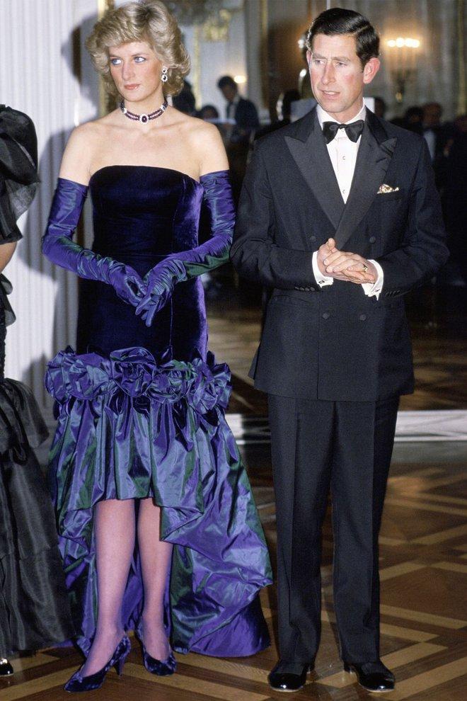 Công nương Diana không bao giờ mang giày cao quá 5cm khi còn làm vợ Thái tử Charles, nguyên nhân do đâu? - ảnh 7