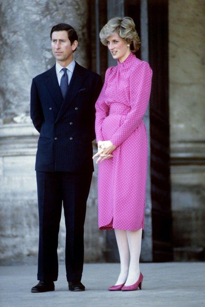 Công nương Diana không bao giờ mang giày cao quá 5cm khi còn làm vợ Thái tử Charles, nguyên nhân do đâu? - ảnh 3