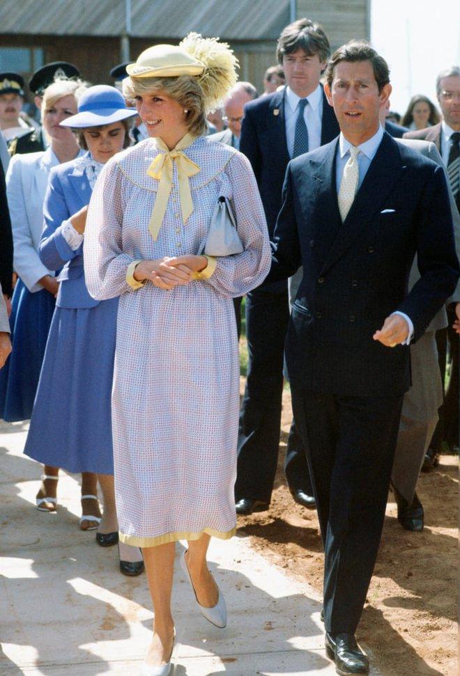 Công nương Diana không bao giờ mang giày cao quá 5cm khi còn làm vợ Thái tử Charles, nguyên nhân do đâu? - ảnh 4