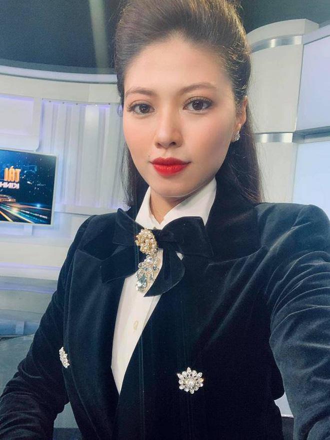 Nói là làm, Hương Giang chuyển nóng 900 triệu đồng mua đồng hồ Hublot của BTV Ngọc Trinh để quyên góp chống dịch - Ảnh 6.