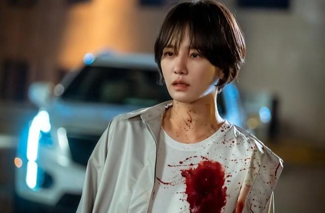 9 nhân vật bị khai tử oan ức ở phim Hàn: Xem đến nam phụ Crash Landing On You mà muốn đốt nhà biên kịch - Ảnh 8.