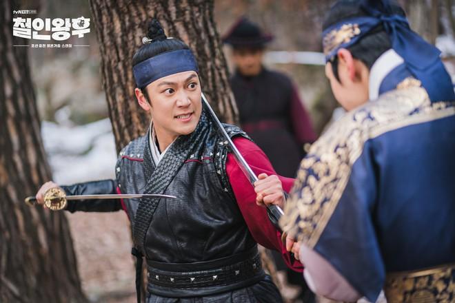 9 nhân vật bị khai tử oan ức ở phim Hàn: Xem đến nam phụ Crash Landing On You mà muốn đốt nhà biên kịch - Ảnh 16.