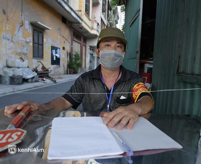 Ảnh: Những chốt bảo vệ vùng xanh không Covid-19 đầu tiên ở Hà Nội - ảnh 5