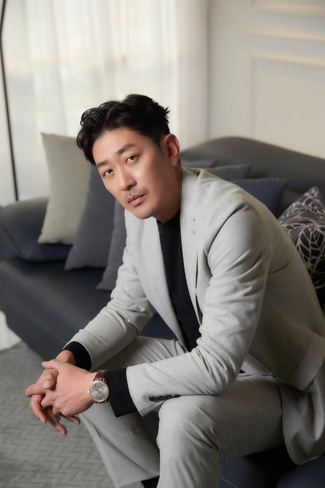 SỐC: Tài tử 76 tuổi của Sắc Đẹp Ngàn Cân - bố ruột Ha Jung Woo bị người tình bí mật kém 39 tuổi kiện vì ép phá thai - Ảnh 4.