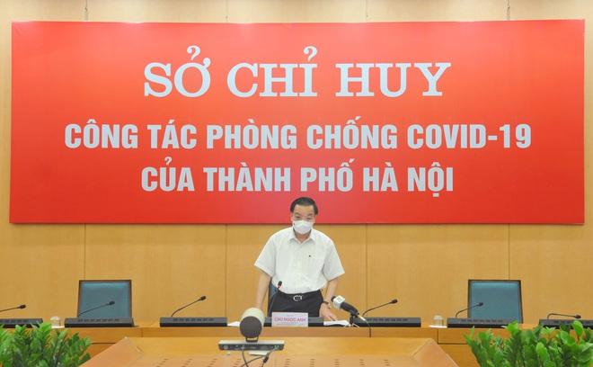 Chủ tịch Hà Nội yêu cầu đảm bảo an toàn thật sự cho hệ thống chợ, siêu thị - Ảnh 1.