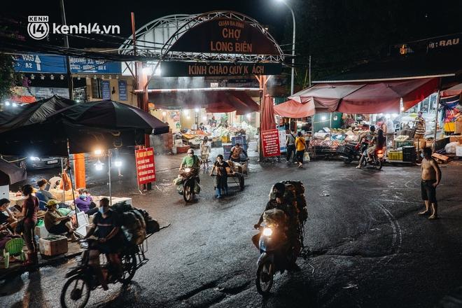 Hà Nội: Phong tỏa khu vực hải sản trong chợ Long Biên, tập trung truy vết liên quan ca Covid-19 từng đến đây - ảnh 6