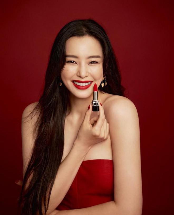 Thành viên hụt 2NE1 hội tụ cả dàn mỹ nhân siêu hot: Hết minh tinh Goblin và Goo Hye Sun đến cả Hoa hậu Hàn đẹp nhất thế giới - Ảnh 3.