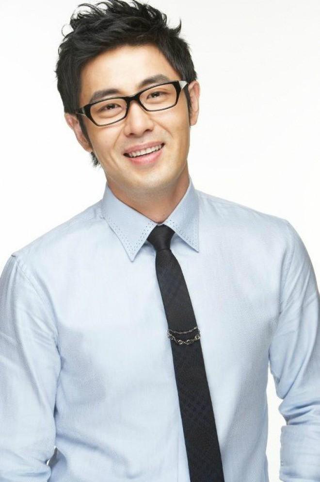 """Top 1 Naver: Mỹ nhân """"Thư Ký Kim"""" ký đơn đăng ký kết hôn, cưới em trai Ha Jung Woo sau 8 năm hẹn hò? - Ảnh 3."""