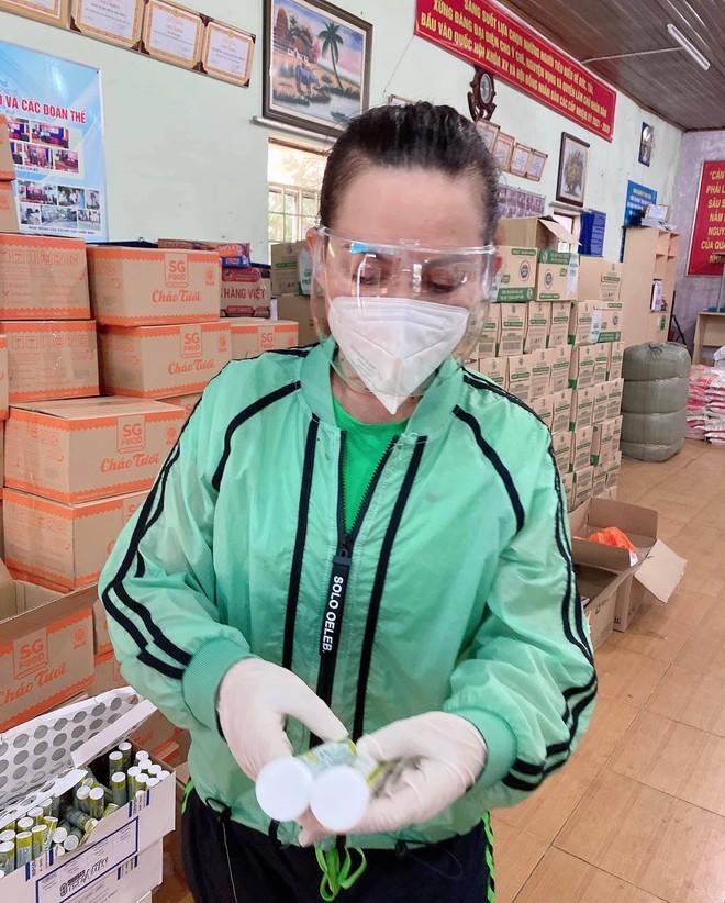 Tin buồn: Ca sĩ Phi Nhung trút hơi thở cuối cùng sáng nay tại Bệnh viện Chợ Rẫy, sau gần 2 tháng chống chọi Covid-19 - Ảnh 3.