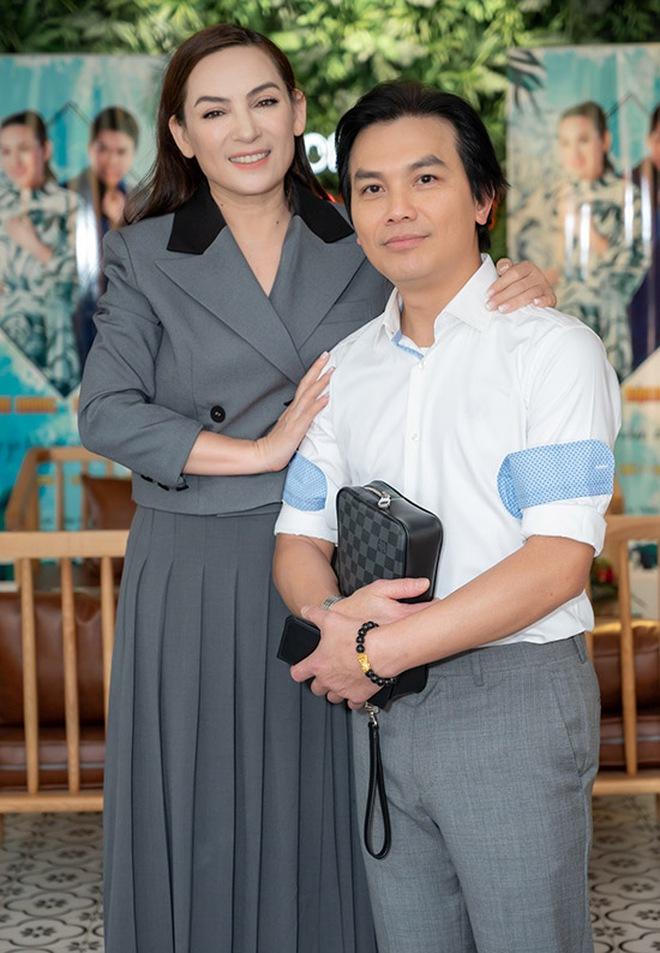 Chuyện đời buồn của Phi Nhung: Không lấy chồng, nhận nuôi 23 đứa trẻ mồ côi, những ngày cuối cùng không gần con gái ruột - ảnh 13