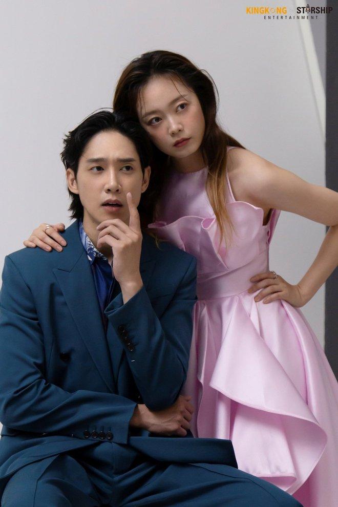 Thành viên bị ghét nhất Running Man Jeon So Min lột xác khó nhận ra: Ảnh tạp chí đã xinh ngất, hậu trường còn mê hơn - ảnh 14
