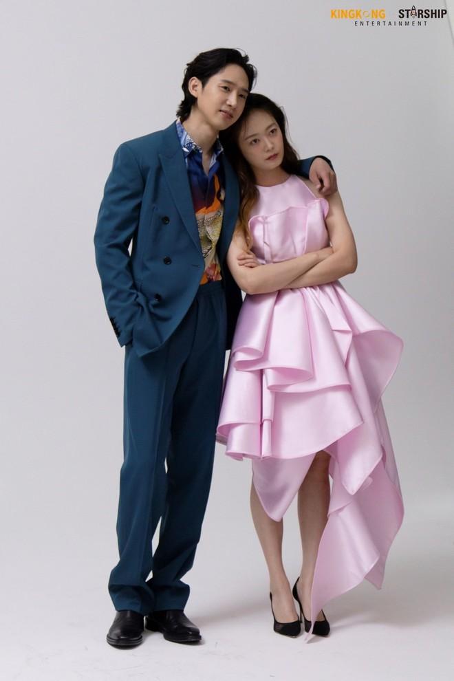 Thành viên bị ghét nhất Running Man Jeon So Min lột xác khó nhận ra: Ảnh tạp chí đã xinh ngất, hậu trường còn mê hơn - ảnh 15