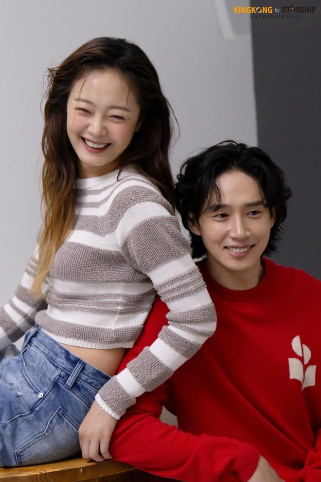 Thành viên bị ghét nhất Running Man Jeon So Min lột xác khó nhận ra: Ảnh tạp chí đã xinh ngất, hậu trường còn mê hơn - ảnh 16