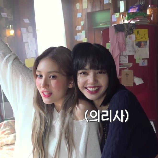 Nữ thần lai nhà YG Jeon Somi gây bão với visual siêu thực như búp bê Barbie, Jennie u mê đến mức spam bình luận khen hết lời - Ảnh 7.