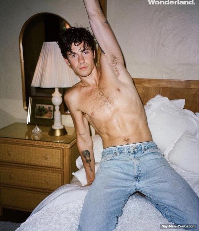 Shawn Mendes cởi sạch, lấy đàn che bộ phận nhạy cảm trên tạp chí, visual đỉnh cao nhưng đừng kéo xuống đôi chân - ảnh 9