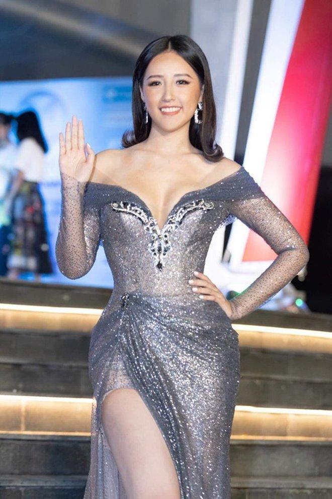 """Phản ứng của Mai Phương Thuý sau 2 năm bị chiếc váy """"hại"""" suýt lộ vòng 1 khủng trên sóng trực tiếp Miss World Việt Nam - Ảnh 4."""