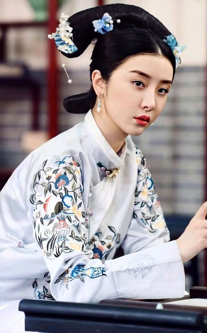 Bạn thân Ngu Thư Hân Triệu Tiểu Đường hút thuốc phì phèo trên phim trường, dân tình trông mà ngán ngẩm - ảnh 8