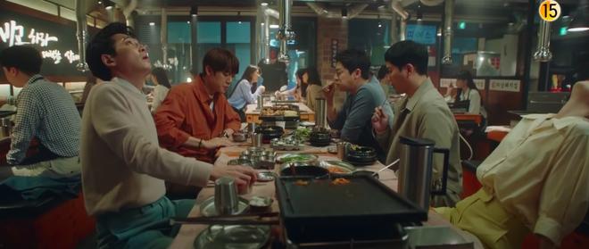 Preview Hospital Playlist 2 tập 8: Jeong Won suy sụp vì bạn gái bỏ rơi, mẹ lâm bệnh nặng khó cứu chữa? - ảnh 7