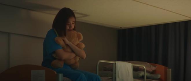 Preview Hospital Playlist 2 tập 8: Jeong Won suy sụp vì bạn gái bỏ rơi, mẹ lâm bệnh nặng khó cứu chữa? - ảnh 11